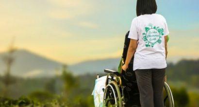 Versicherungsmakler, Vorsorgeexperte und Kreditmakler B-Quadrat | Betreuung im Rollstuhl