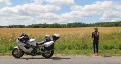Versicherungsmakler, Vorsorgeexperte und Kreditmakler B-Quadrat | Motorradfahrerin