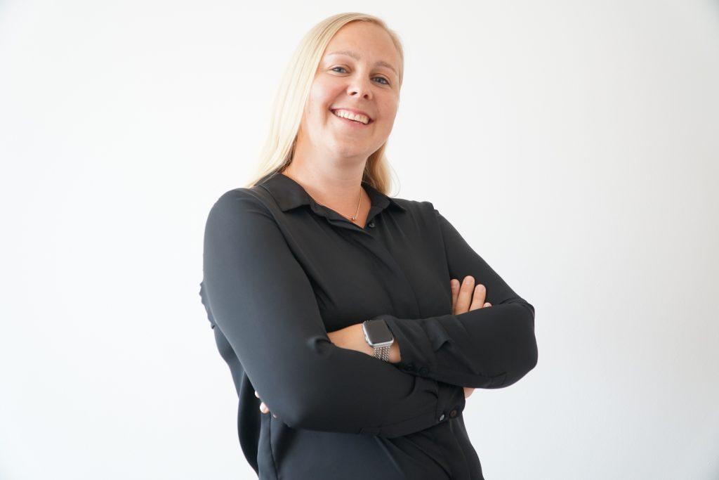 Versicherungsmakler B-Quadrat | Unser Team - Cornelia Barfus