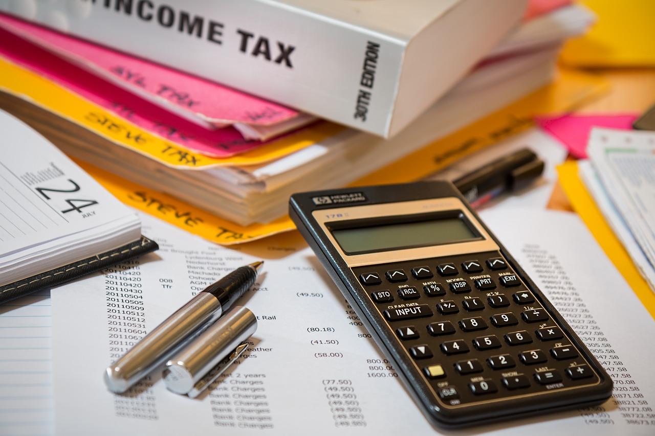 Versicherungsmakler B-Quadrat | Grenzgänger & Steuer